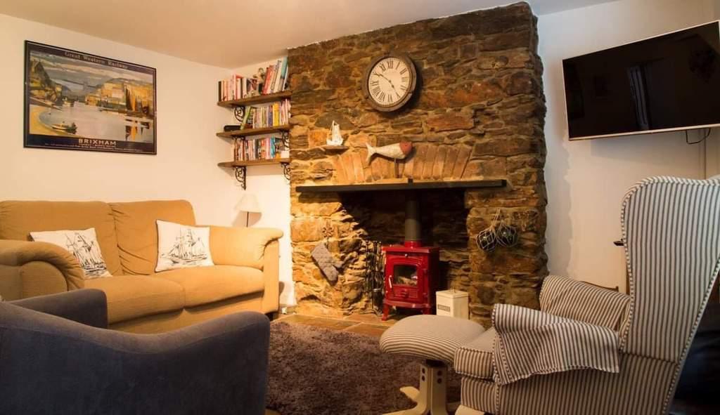 Living Room at Saltys Dog Friendly Holiday Cottage Devon