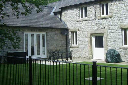Riverside House Pet Friendly Cottage Buxton