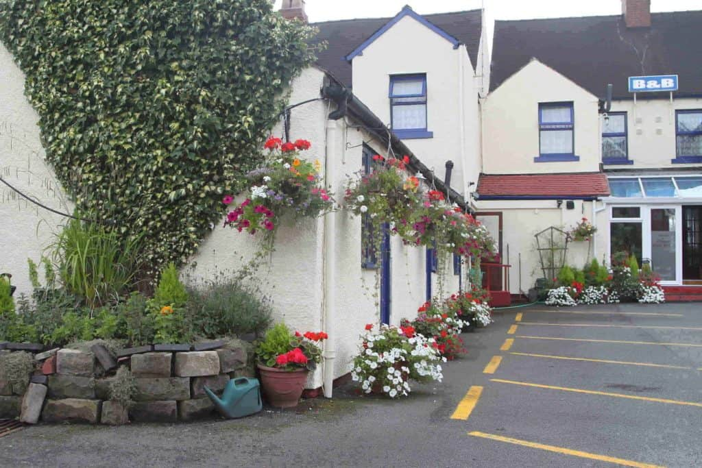 Meadow Way Guest House Dog Friendly Uttoxeter.jpg
