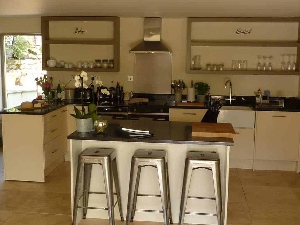 Stylish Cornish Cottages Breakfast Bar