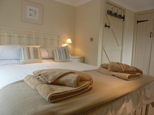 Stylish Cornish Cottages Bedroom